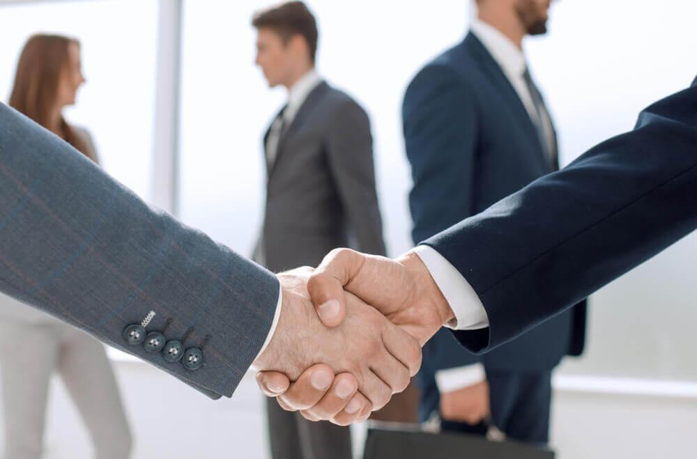 ¿Por qué debes confiar en la figura del asesor de comercio exterior?